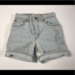 Vintage Levis Mom Jean Shorts - High Waist size 5